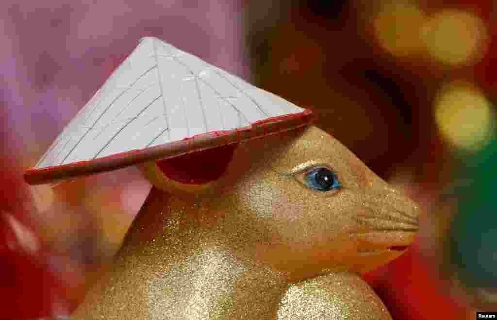 ہر نئے قمری سال کو کسی نہ کسی جانور یا پرندے سے منسوب کیا جاتا ہے۔ اس بار نیا سال چوہے سے منسوب کیا گیا ہے۔