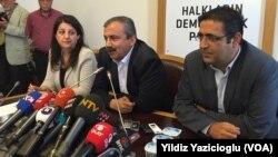 HDP İmralı Heyeti'nden açıklama yapan Pervin Buldan, Sırrı Süreyya Önder, İdris Balüken