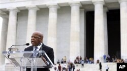 Anggota Kongres AS John Lewis berbicara mengenai arti kebebasan dalam acara peringatan ke-150 Proklamasi Emansipasi Amerika yang dicanangkan Presiden Abraham Lincoln (foto: dok).