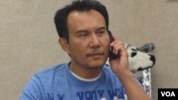 Anggiat Mora Situmeang, warga Indonesia di Colorado yang, bersama isteri (Rita Paulina br. Silalahi) dan anaknya (Prodeo et Patria) ikut menjadi korban luka penembakan di Colorado (foto: 21/7).