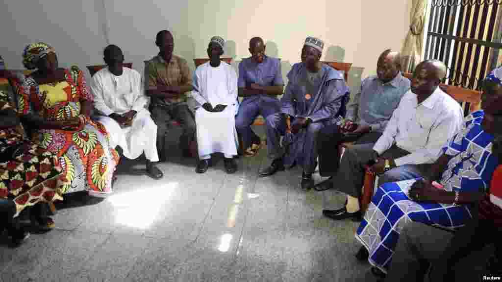 Dauda Iliya yana magana a lokacin wani taron da suka yi domin tattauna kokarin kwato 'yan matan na Chibok da aka sace.