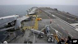 ناو هواپیمابر شارل دوگل نیروی دریایی فرانسه - آرشیو