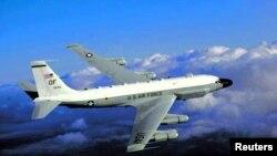 Cтратегический самолет-разведчик RC-135 ВВС США