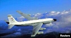 미 공군의 RC-135 정찰기.