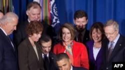Obama nënshkruan ligjin për homoseksualët në ushtri
