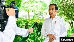 Presiden Jokowi memanggil lima Gubernur untuk efektifkan kebijakan PPKM. (Biro Setpres).
