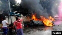 د بنگله ديش د پوليس چارواکو په وينا د زيارت د ورځې راسې د هېواد په مختلفو برخو کې د تشدد څخه ډکې مظاهرې روانې دي