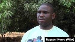 Le militant arrêté Maikoul Zodi à Niamey, au Niger, le 16 mars 2016. (VOA/Bagassi Koura)