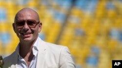 Pitbull dijo que Donald Trump desconoce el poder de la comunidad hispana en Estados Unidos.