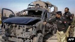 Trong một vụ tấn công lớn khác một ngày trước đó, khoảng 150 chiến binh đã tấn công 5 chốt kiểm soát ở khu vực bộ lạc Mohmand.