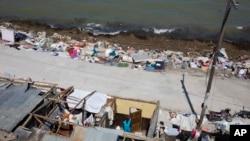 Suasana di kota Jeremie, Haiti, pasca hantaman badai Matthew, Jumat, 7 Oktober 2016 (AP Photo/Dieu Nalio Chery).