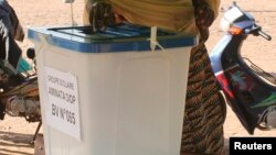 Le dépouillement des élections législatives de dimanche au Mali se poursuit