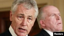 Cựu Thượng nghị sĩ Chuck Hagel (trái) được đề cử làm bộ trưởng quốc phòng và cố vấn của tổng thống về chống khủng bố John Brennan được đề cử giữ chức Giám đốc CIA, 7/1/13