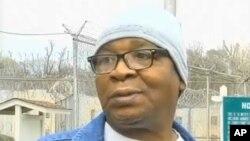 Ông Glenn Ford, 64 tuổi, nói chuyện với các phóng viên khi ông rời khỏi nhà tù ở Angola, Louisiana sau gần 3 thập niên chờ bị hành quyết, ngày 11/3/2014.