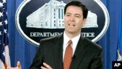 James B. Comey como funcionario del Departamento de Justicia en 2004. Comey sería el nominado del presidente Obama para dirigir el FBI.