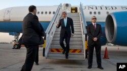 존 케리 미국 국무장관이 중동 평화회담 진전 방안을 논의하기 위해 31일 이스라엘을 방문했다.