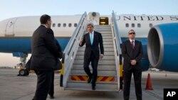 美国国务卿克里3月31日抵达以色列的特拉维夫