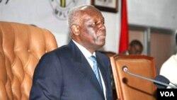 Presidente de Angola, José Eduardo dos Santos (Foto Novo Jornal)