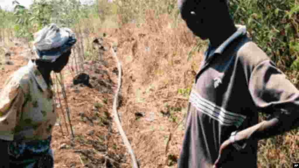 Adduction d'eau au Kenya.