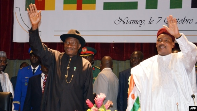 jonathan in talks with neighbours