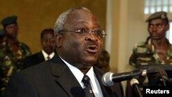 Domitien Ndayizeye yahoze ari prezida w'Uburundi ni umwe mu bategetsi b'urunani Kira-Burundi.