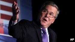 Selain menggalang dukungan bagi Mitt Romney, Jeb Bush membela kakaknya, mantan Presiden George W. Bush, yang sering jadi 'kambing hitam' pemerintahan Obama (foto: dok).