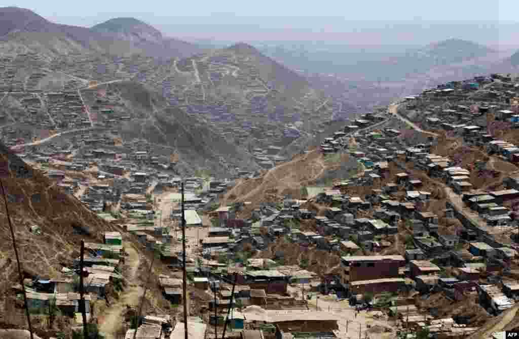 Проблеми з водопостачанням переживають десятки перуанських сіл, міст та околиці столиці. AP