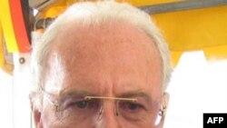 Ông Franz Beckenbauer nói ông thất vọng vì 7 ứng viên thua cuộc đã bị đối xử kém lịch sự nhất là Anh và Australia