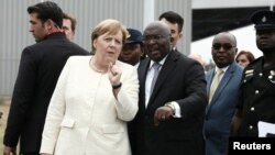 Angela Merkel yakiwe n'icegera ca prezida wa Ghana Mahamudu Bawumia