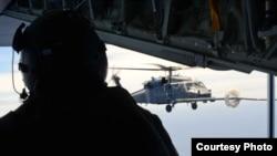 接力护送 两中国烧伤船员安抵美国