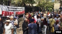 El Frente Amplio Venezuela Libre convocó a la marcha pacífica y a asambleas de calle para este sábado 17 de marzo. [Foto: Alvaro Algarra, VOA].