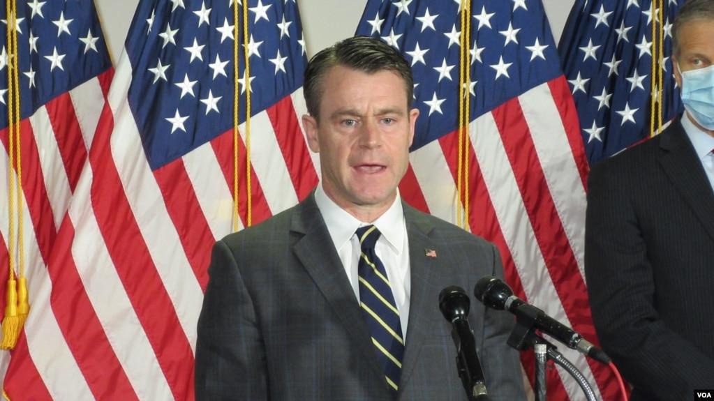 共和党联邦参议员托德.扬(Sen. Todd Young, R-IN)(photo:VOA)
