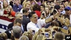 Au cours du week-end, le candidat républicain, Mitt Romney, a fait campagne en Floride.