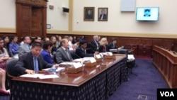 美国会为冯建梅举行听证,继续关注中国家庭人权(美国之音方方拍摄)