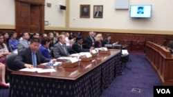 美國會為馮建梅舉行聽證,繼續關注中國家庭人權(美國之音方方拍攝)