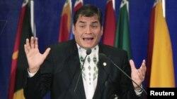 El presidente Correa le teme a la labor de las organizaciones no gubernamentales en Ecuador.