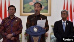 Indonesian President Joko Widodo makes a statement on the U.S. recognition of Jerusalem as Israel's capital, at the Presidential Palace in Bogor, West Java, Indonesia December 7, 2017.