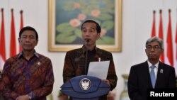 Presiden Joko Widodo pada saat memberikan pernyataan pers mengenai pengakuan AS atas Yerusalem sebagai Ibu Kota Israel di Istana Presiden Bogor, Jawa Barat, 7 Desember 2017.