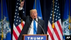 Trump está haciendo campaña de cara a las cinco primarias del martes en estados del noreste.