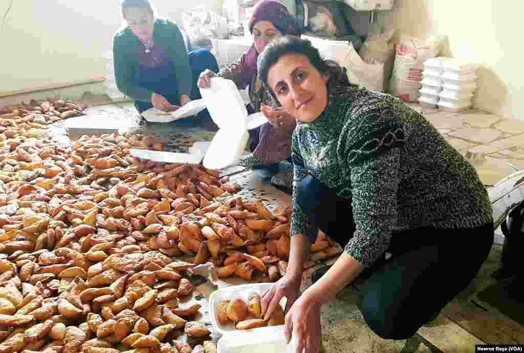 Kurdish mothers cooking