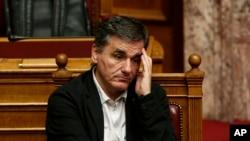 Le ministre des finances Grec, Euclid Tsakalotos a l'Assemblee nationale grecque, Athenes, Decembre 2015.