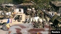 乍得士兵巡邏與尼日利亞接壤的邊境地區