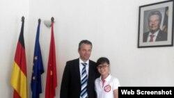 Ông Felix Schwarz, đại diện Đại sứ quán Đức và blogger Hư Vô