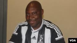 UMadinda Ndlovu, umqeqetshi weqembu leHighlanders Football Club.