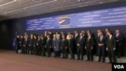 Các đại biểu EU dự hội nghị