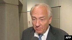 Stiven Rep, američki ambasador za pitanja ratnih zločina