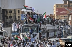 Sudanda vüsət alan xalq etirazı Afrikanın ən uzun ömürlü diktatorlarından olan Ömər əl-Bəşirin devrilməsi ilə nəticələndi.
