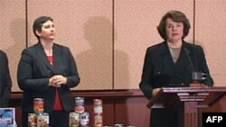 Senatorka Dajen Fajnstajn prilikom predstavljanja studije o prisustvu BPA u konzerviranoj hrani