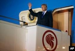 2018年6月10日美国总统川普抵达巴耶利峇空军基地,将与朝鲜领导人金正恩举行峰会。