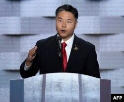 Demokrat Kongre üyesi Ted Lieu